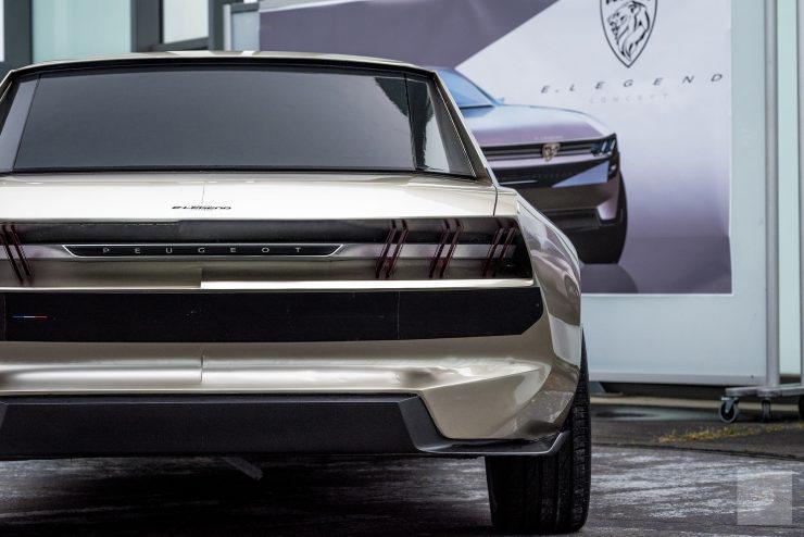 Peugeot P18 Paris Motor Show 2018 E Legend Concept Car Présentation maquette creuse face arriere