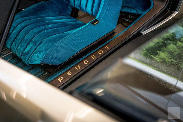 Peugeot P18 Paris Motor Show 2018 E Legend Concept Car barre de seuil