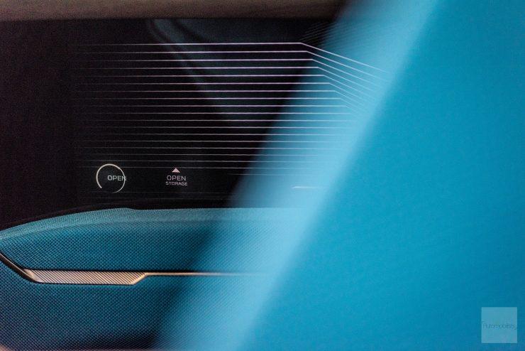 Peugeot P18 Paris Motor Show 2018 E Legend Concept Car detail interieur portiere