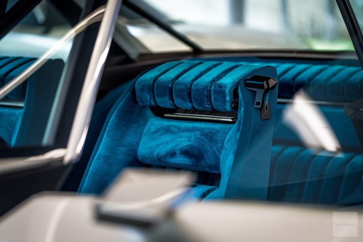 Peugeot P18 Paris Motor Show 2018 E Legend Concept Car detail siege velour