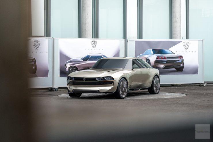 Peugeot P18 Paris Motor Show 2018 E Legend Concept Car presentation maquette creuse face avant