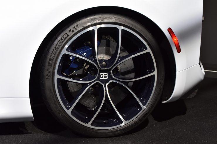 Bugatti Chiron SkyView 4