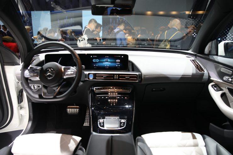 Mondial Paris 2018 Mercedes EQC 13