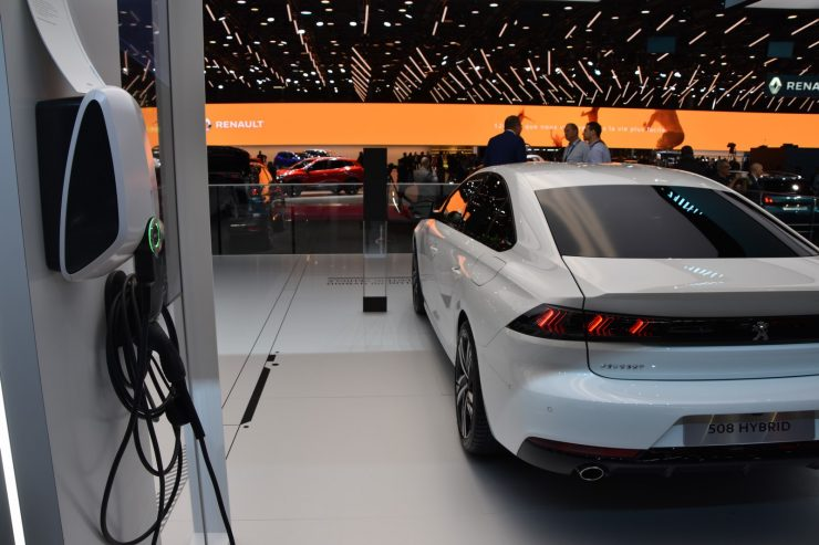 Mondial Paris 2018 Peugeot HYbrid 2