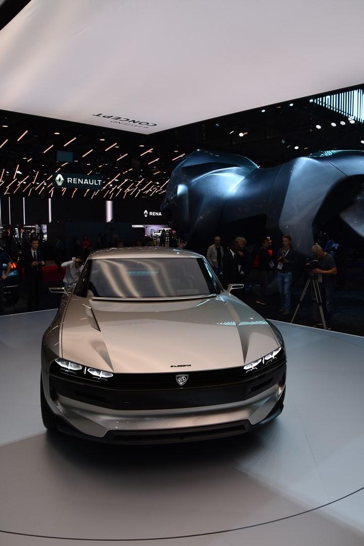Mondial Paris 2018 Peugeot e legend Concept 17