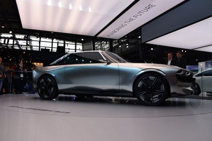 Mondial Paris 2018 Peugeot e legend Concept 23