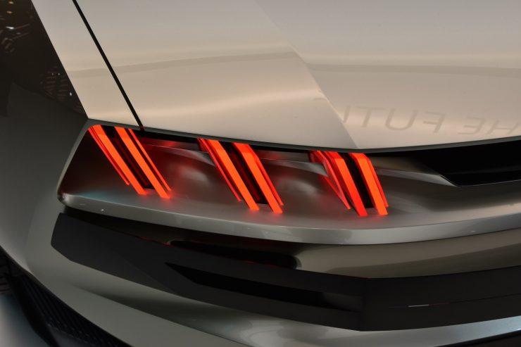 Mondial Paris 2018 Peugeot e legend Concept 8