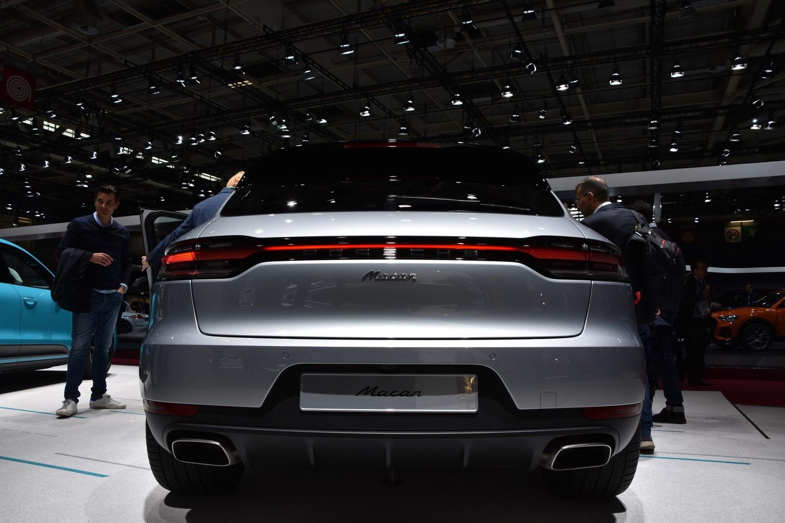 Mondial Paris 2018 Porsche Macan 11