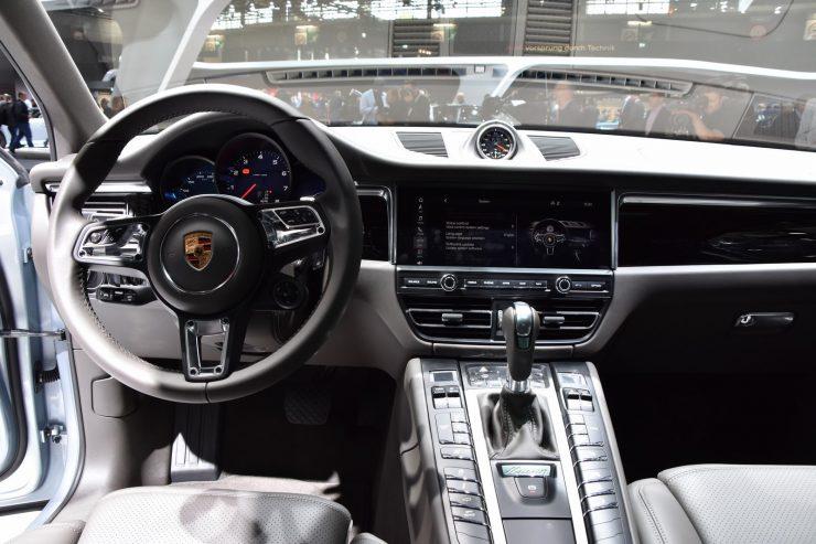 Mondial Paris 2018 Porsche Macan 14