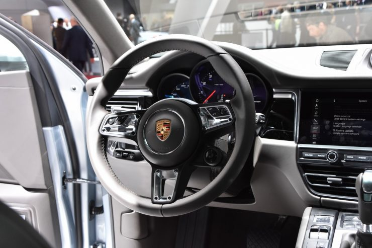 Mondial Paris 2018 Porsche Macan 15