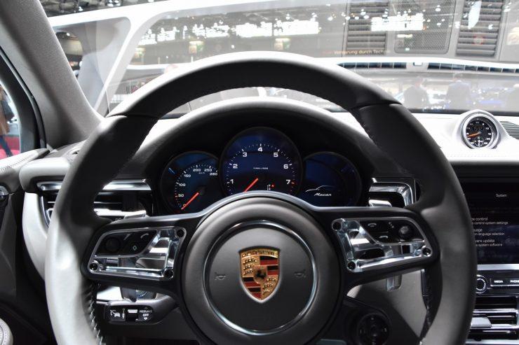 Mondial Paris 2018 Porsche Macan 18