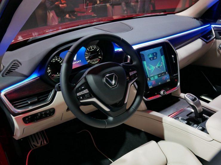 Mondial Paris 2018 Vinfast Lux SA2.0 5