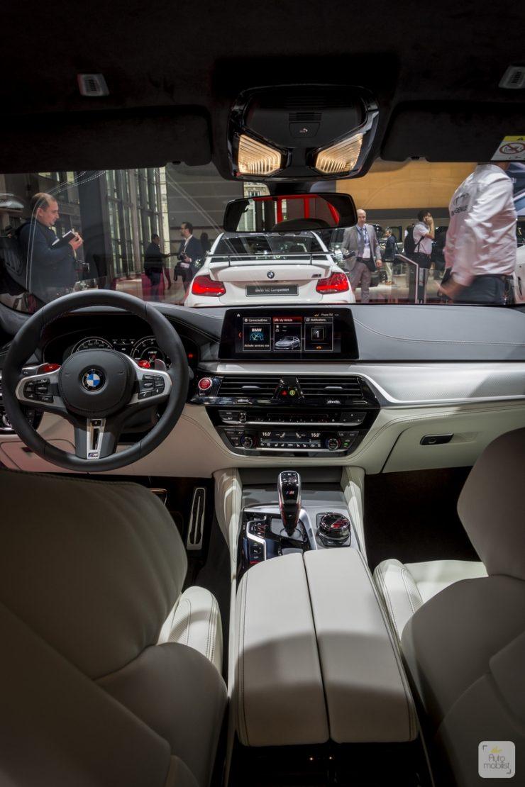 Mondial de Paris 2018 BMW 48