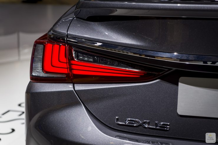 Mondial de Paris 2018 Lexus 5