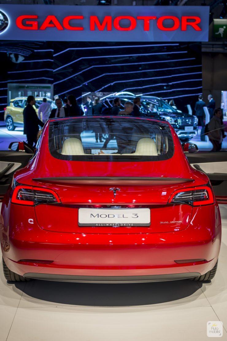 Mondial de Paris 2018 Tesla 10