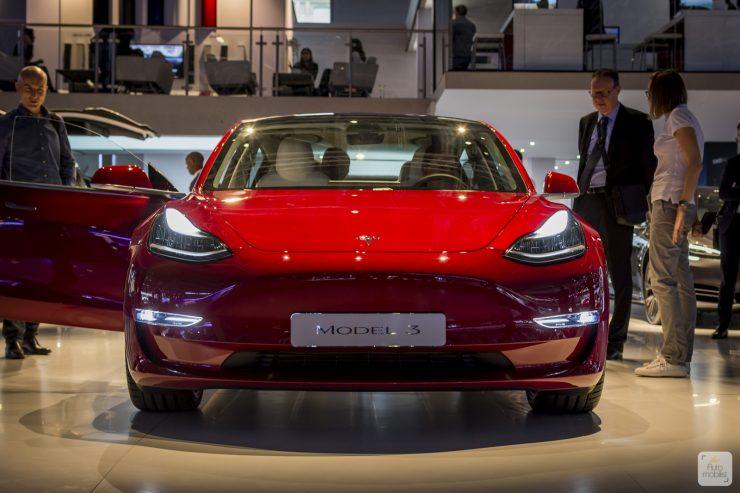 Mondial de Paris 2018 Tesla 2