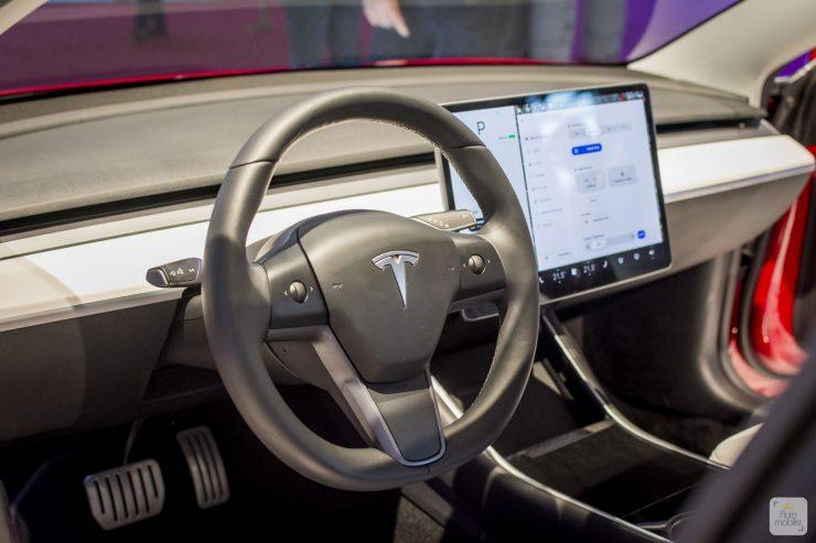 Mondial de Paris 2018 Tesla 8