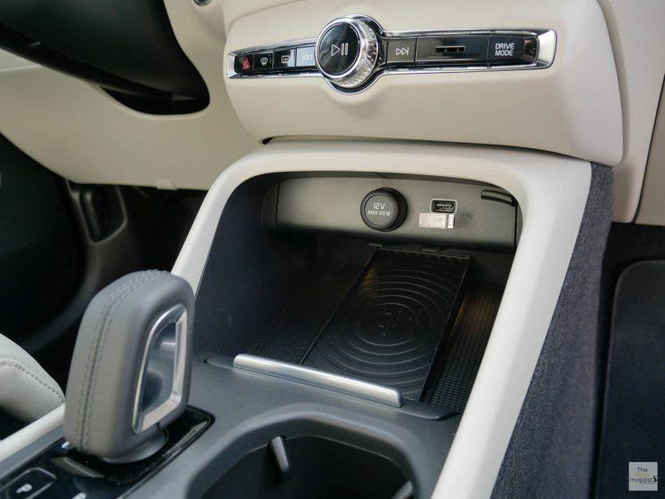 2018 Volvo XC40 Interieur Planche de Bord Detail 006 1