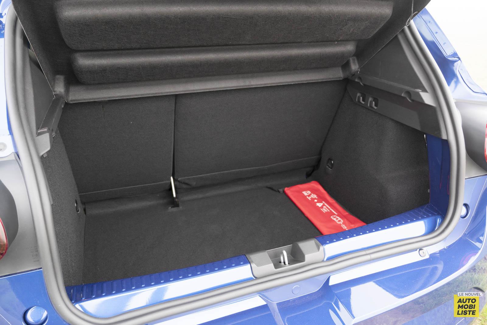 LNA 2011 Dacia Sandero TCe90 Comfort Coffre 004