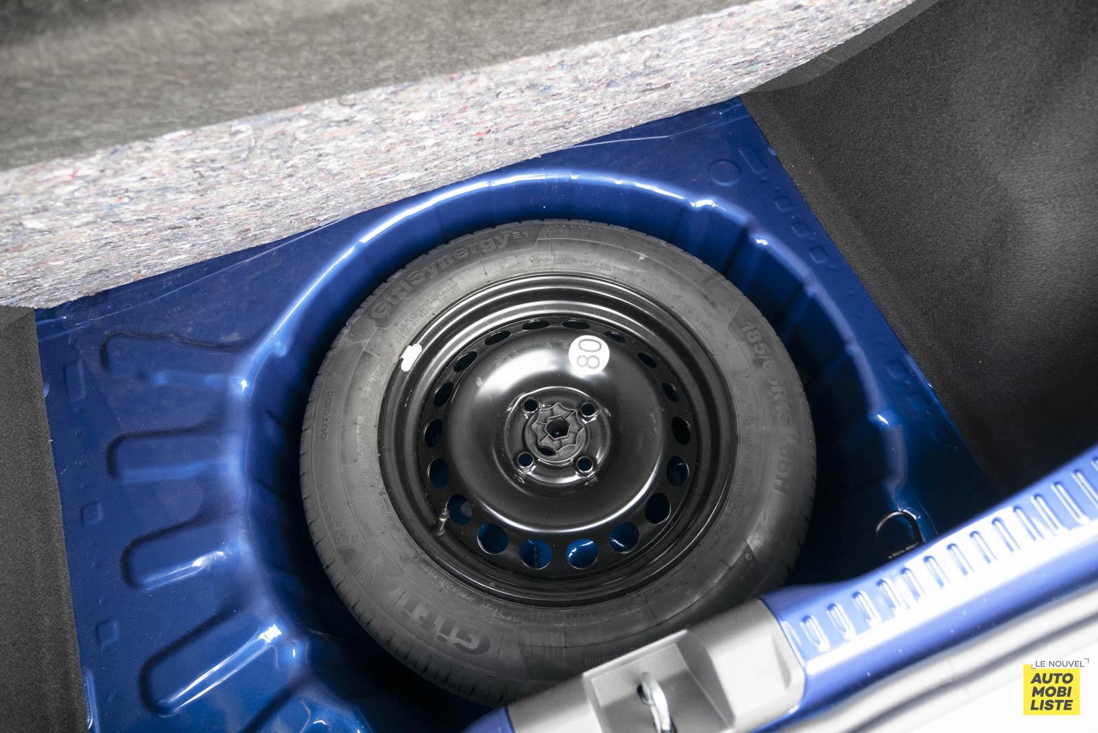 LNA 2011 Dacia Sandero TCe90 Comfort Coffre 012