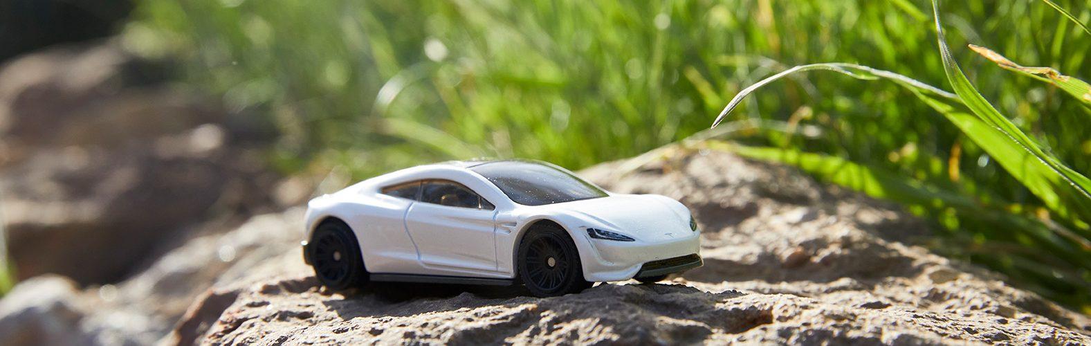 20210415 2021 Matchbox Tesla Roadster 01