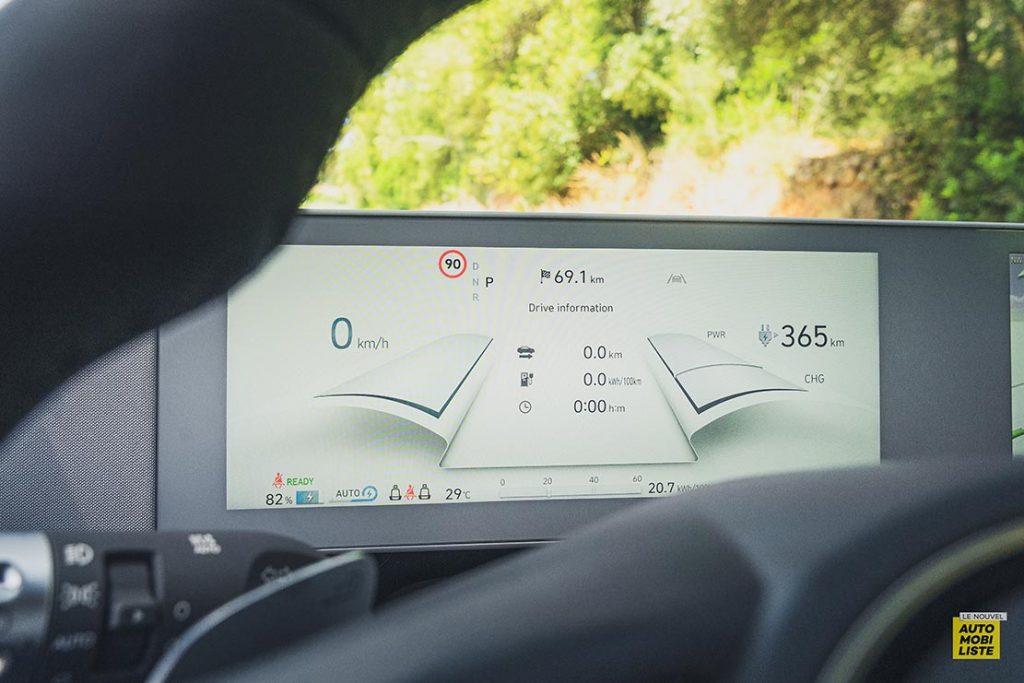 Essai Hyundai Ioniq 5 HTRAC Executive 73kW Digital Teal Green Compteurs digitaux