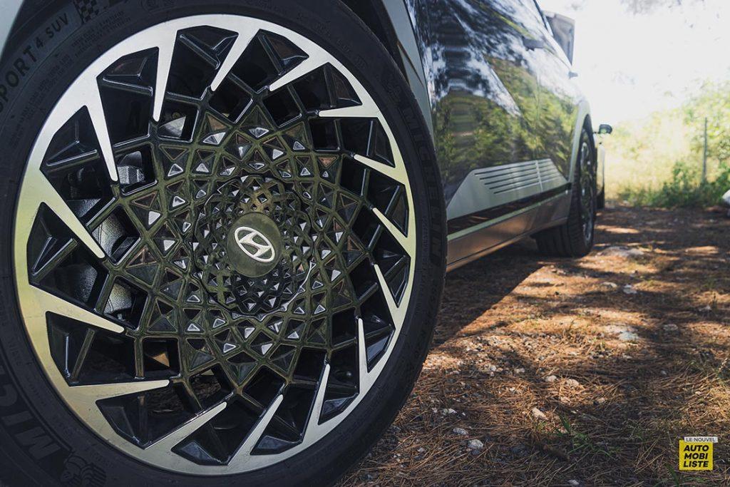 Essai Hyundai Ioniq 5 HTRAC Executive 73kW Digital Teal Green Jantes 20 pouces 2