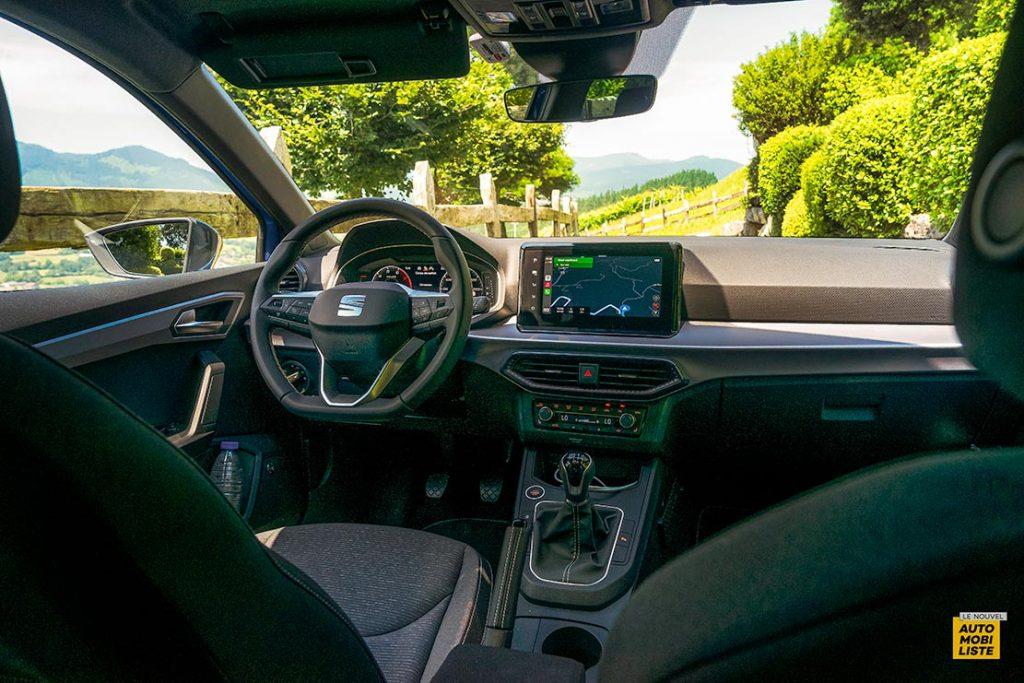 Essai Seat Ibiza restyle XPerience TSI 110ch BVM6 Bleu Planche de bord