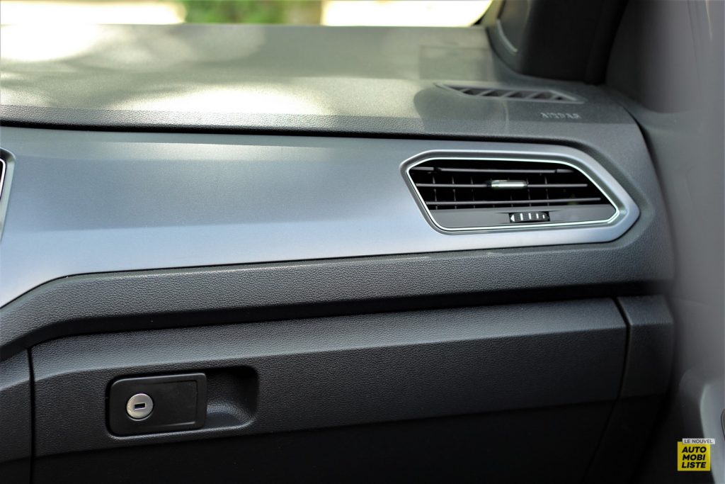 VW T Roc cab LNA Dumoulin 21