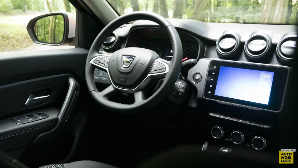 Essai Dacia Duster TCe 150 EDC6 Prestige Tableau de Bord 01
