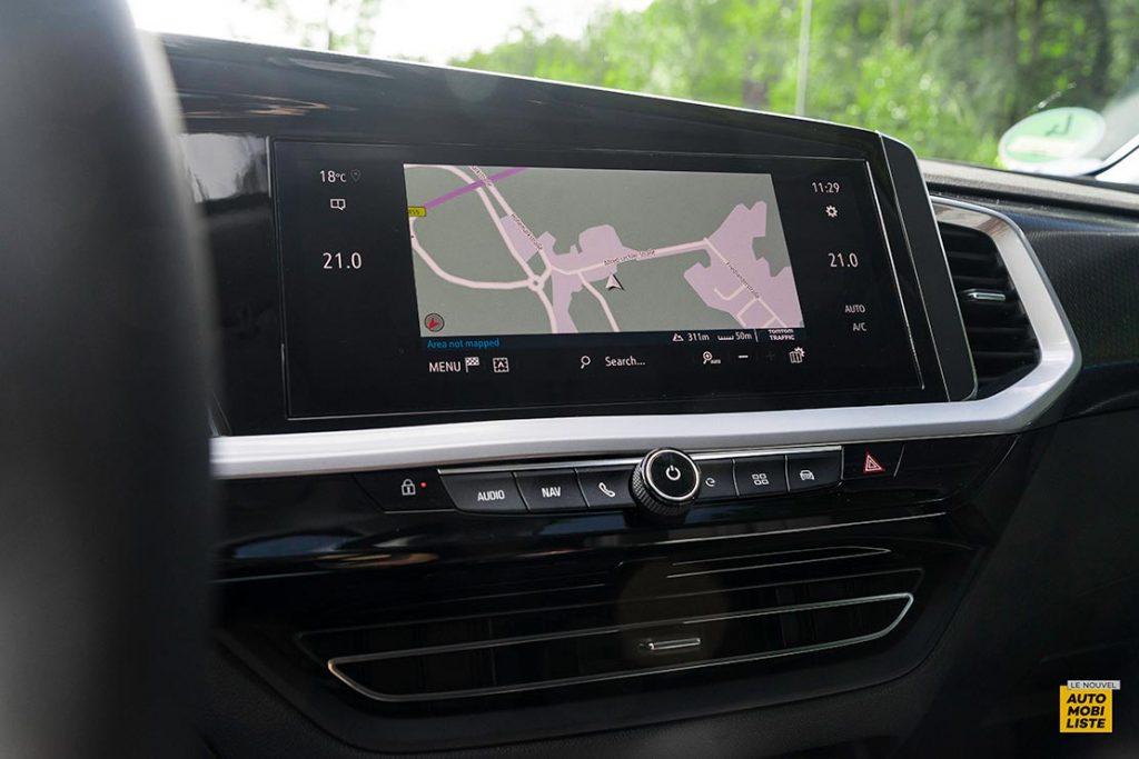 Essai Opel Grandland restyle Hybrid 225 Ecran tactile