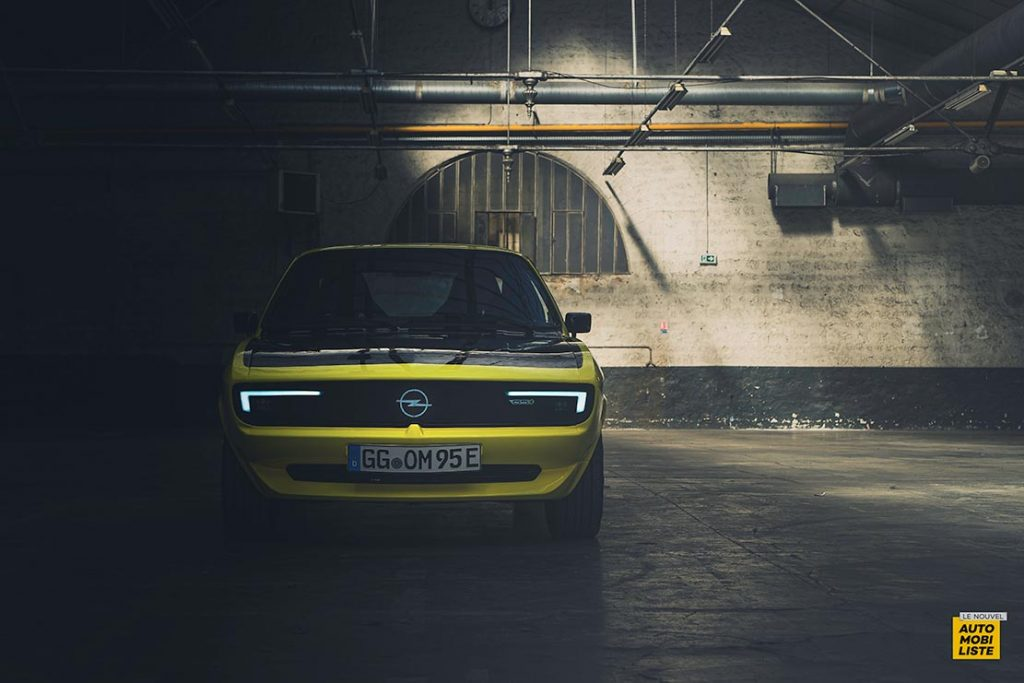Opel Manta GSe ElektroMOD concept 37